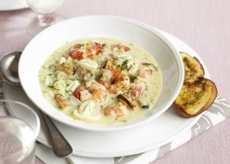 Creamy stew with seafood