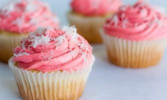 Cupcakes with raspb